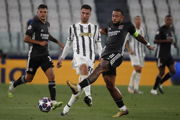 LŠ: Penali kakvi se ni u Superligi ne bi svirali! Lion napravio senzaciju u Torinu, Ronaldo bez trofeja!