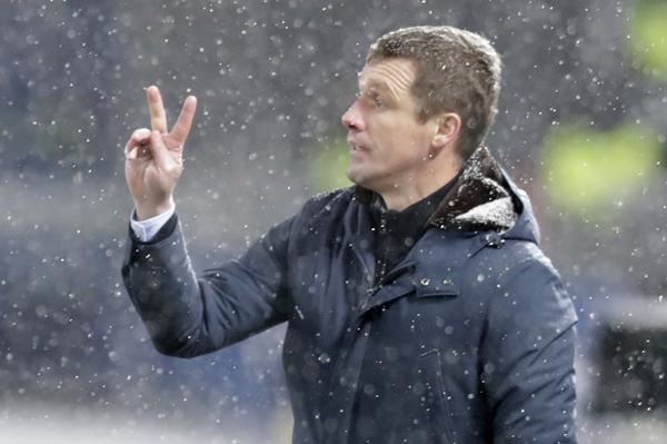 Navijači CSKA na lep način traže ostavku trenera: Hvala za Real, pobede u derbijima, ali...