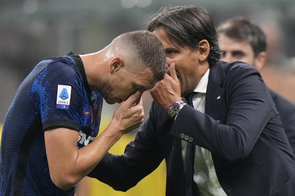 Predlozi: Pršti u Italiji kao gazirano kad promućkaš. Milan u problemu zbog golmana i Ibre. Rimski orao na meniju šampiona