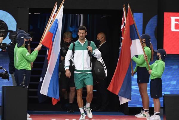AO: Na kolena pred Srbinom! Najbolji je ponovo uzeo Australiju!