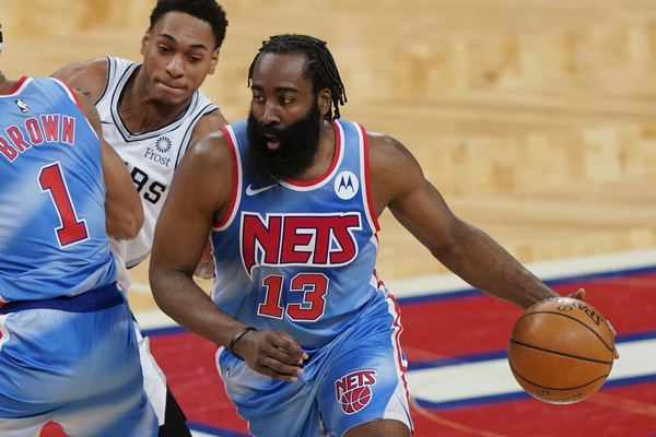 Predlozi: Borba za drugo mesto na Istoku NBA – Bruklin ili Milvoki