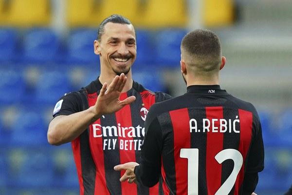 SEA: Milan preživeo Ibrahimovićev direktan crveni karton i osvojio Parmu