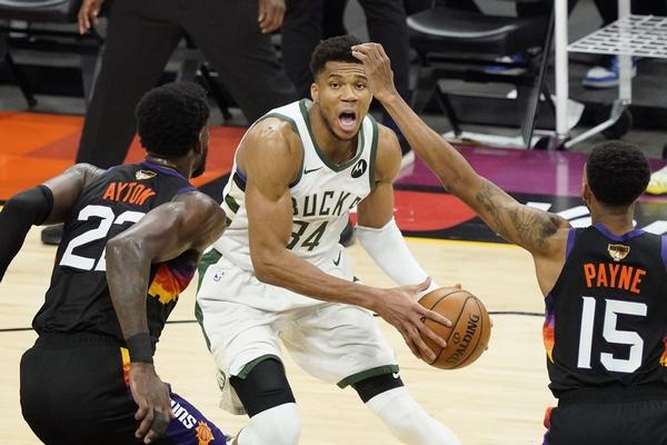 NBA: Buker i Pol zakazali kada je najpotrebnije, Janis i Milvoki na korak od prstena!